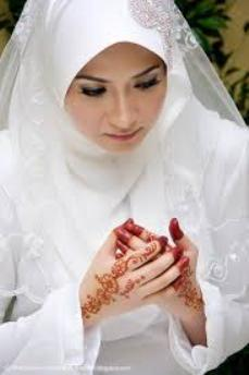 Mehndi time for Ma Bangla as Hasan spins Dacca Muslin to smother England